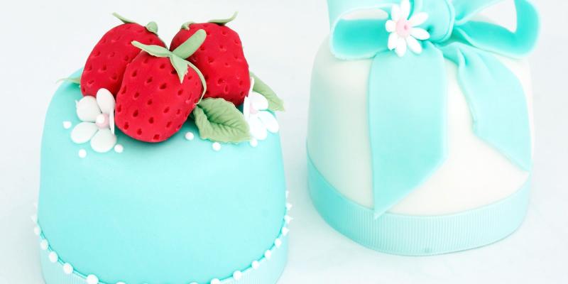 Торт из мастики голубой, как называется покрытие для декорирования торта