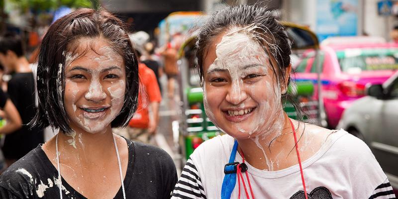 Сонгкран, как найзывается тайский новый год, новый год в тайланде название