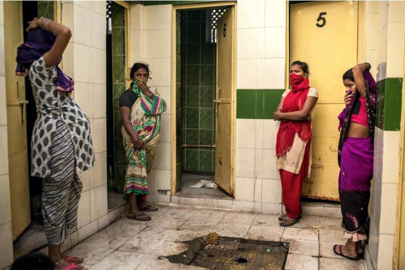 Туалет в Индии, чаша Генуя