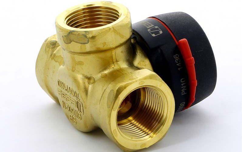 трехходовой клапан, Как называется приспособление для регулирования рабочей жидкости